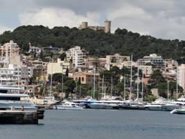 Castillo de Bellver en Palma de Mallorca. Vista desde el balcón de nuestro camarote del Costa Serena.
