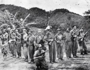 """La guerrilla de Lázaro Artola en el Escambray. De derecha a izquierda el segundo  es Héctor Rodríguez """"Santa CLara"""" y el quinto es  Miguel el Flaco."""